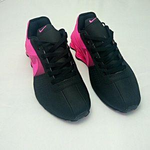76cabdec269e Nike Shoes - HOT NEW Women Black Pink Fade Nike Shox Deliver